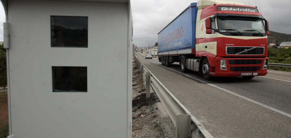 Tráfico instalará tres nuevos radares en carreteras secundarias de la provincia