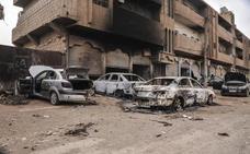 Mueren 53 personas, entre ellas 21 niños, en un bombardeo ruso contra una ciudad controlada por el Dáesh