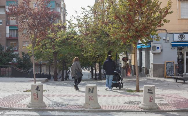 El Ayuntamiento de Granada retirará los hitos que impidan el acceso en caso de emergencia