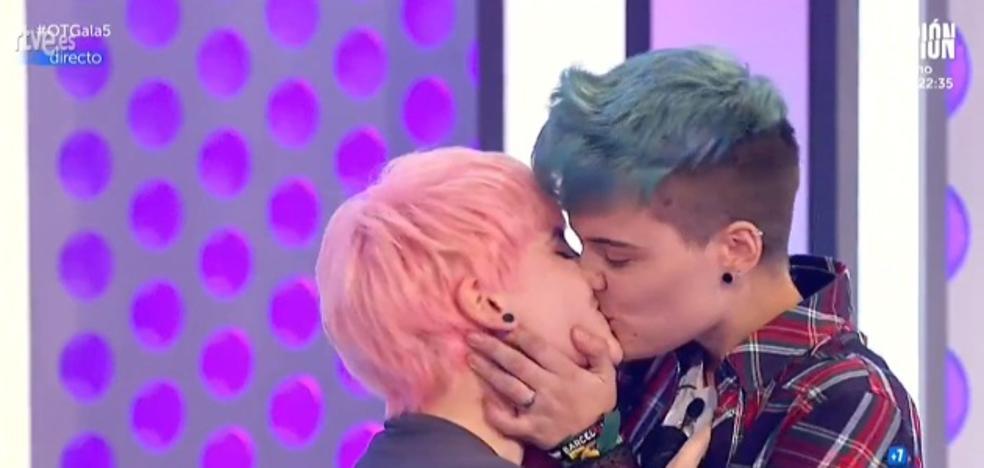 El aclamado beso de 'OT' que ha roto tabúes contra la discriminación LGTBI+