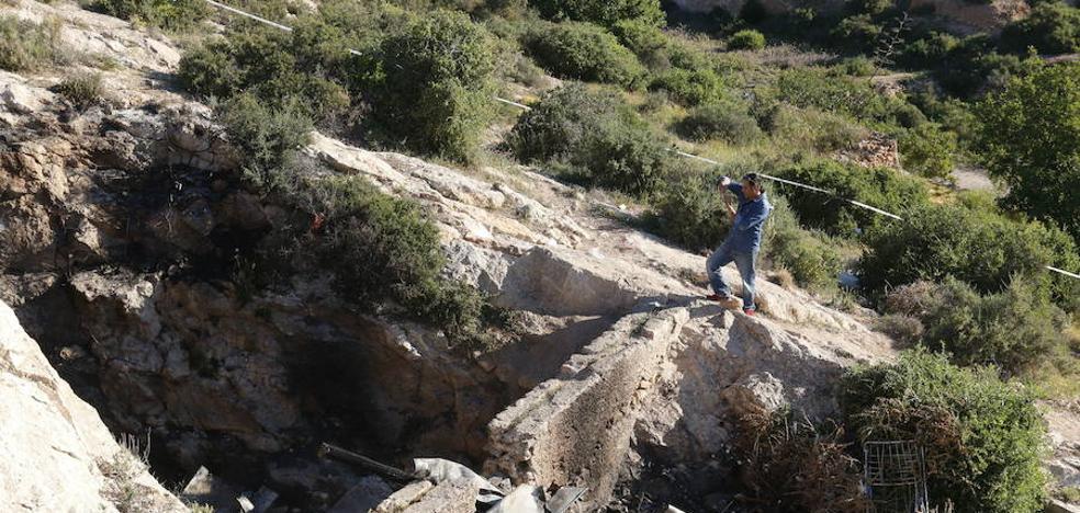 El principal acusado del fuego mortal en la cueva de La Molineta reconoce que incendió el sofá
