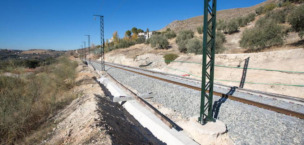 Fomento afirma que el viernes empezará la circulación en pruebas del AVE en Granada