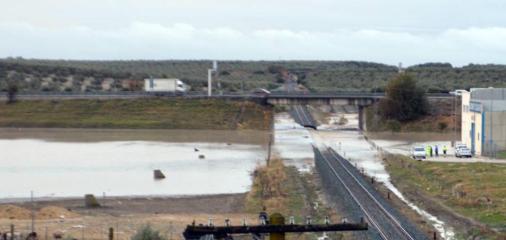 Suspendida la circulación ferroviaria entre Sevilla y Almería por las fuertes lluvias
