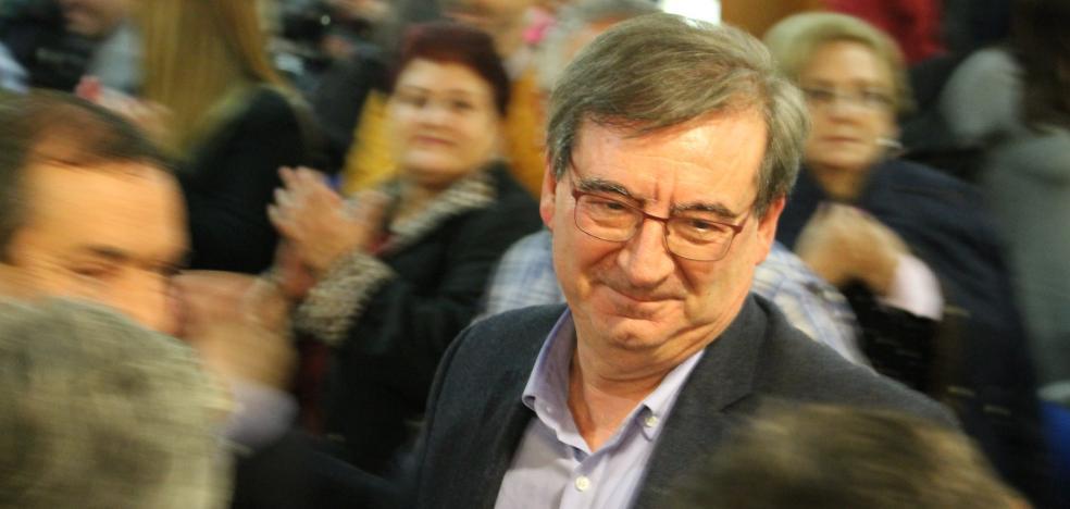 Martínez repite en el PSOE local tras ganar por sólo 19 votos de diferencia