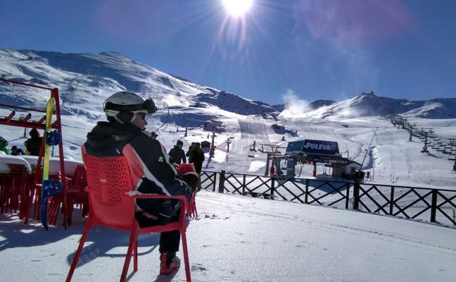 Sierra Nevada incrementará a 16 kilómetros su superficie esquiable para el fin de semana