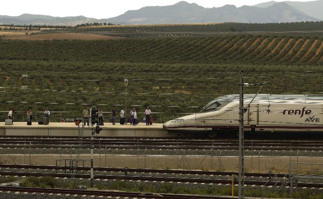 Los enormes problemas del AVE en toda España
