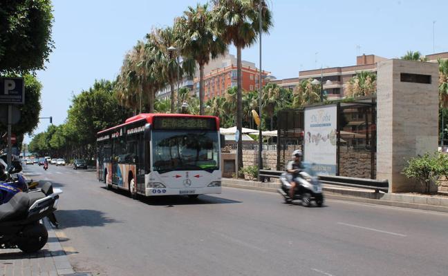 Los autobuses urbanos cambian su recorrido durante la tarde de hoy
