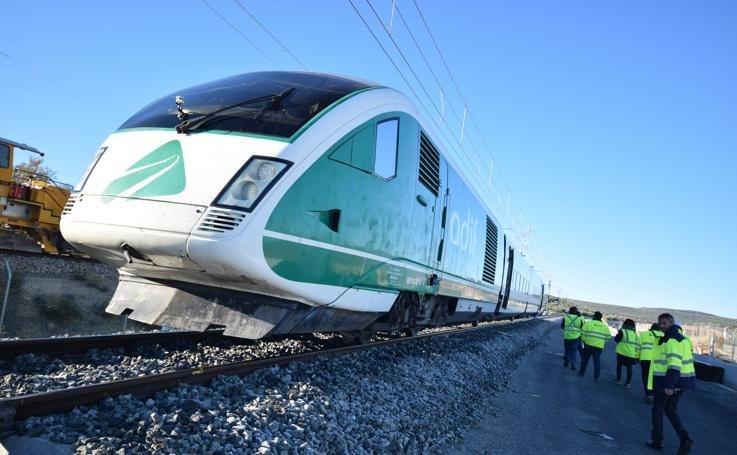 El tren laboratorio de Adif hace el recorrido Antequera - Granada
