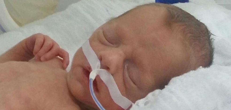 """Un hospital """"toma como rehén"""" a un bebé porque sus padres no pueden pagar su tratamiento"""