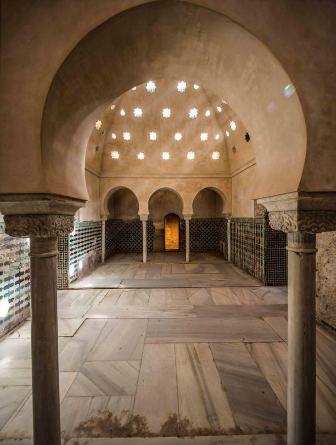 Así eran los majestuosos baños de los Reyes Católicos en la Alhambra