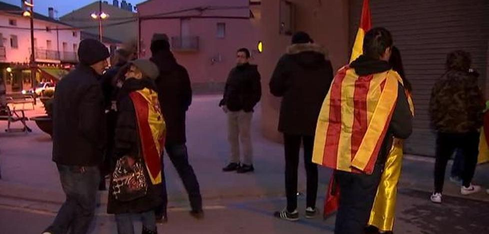 Una familia denuncia el intento de quemar su casa por tener una bandera de España en el balcón