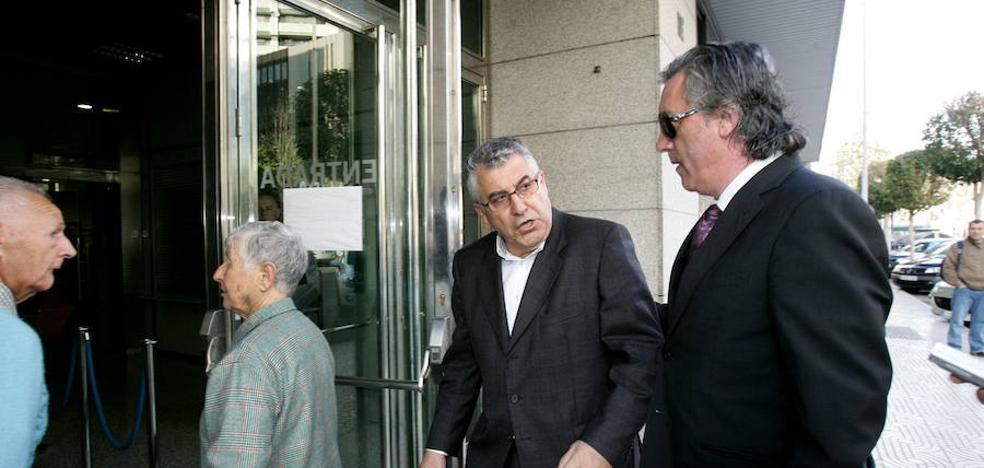 'Desimputan' a cuatro exconsejeros de Elsur tras eximirles el fiscal de responsabilidad