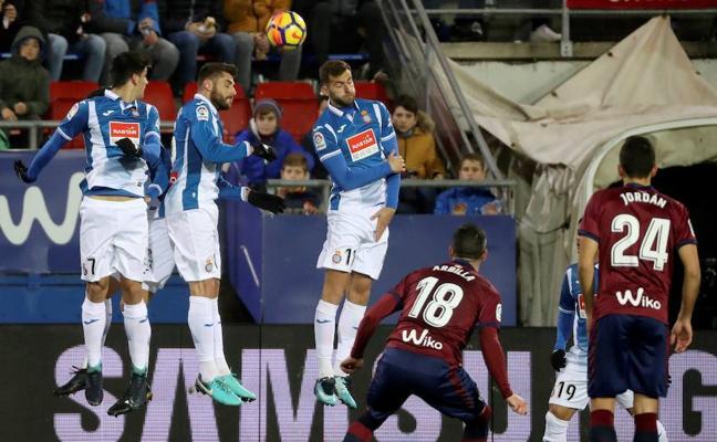El Eibar toma aire a costa del Espanyol