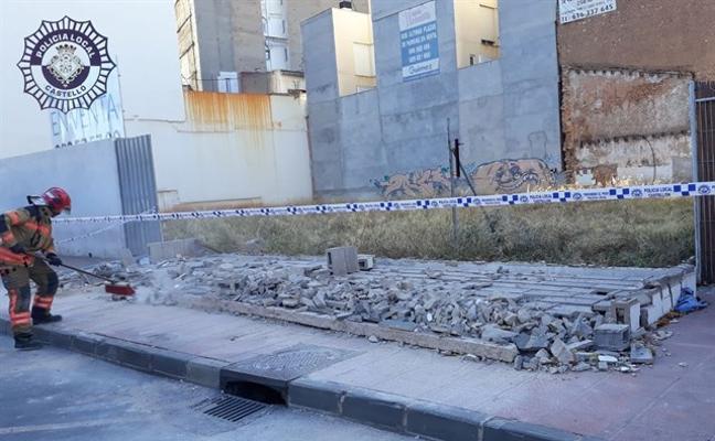 Cae un muro sobre una chica de 17 años, que está herida grave