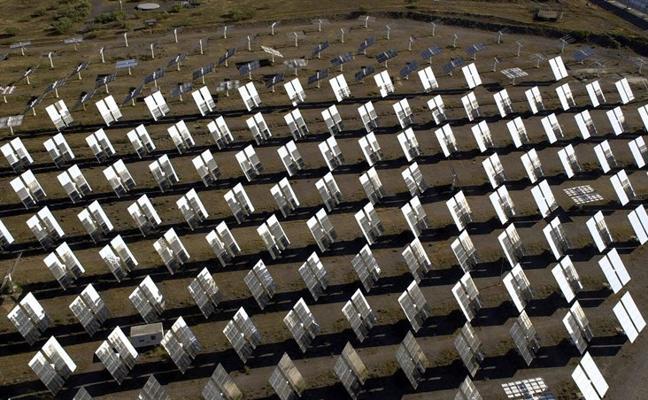 """El PSOE pide al Gobierno que """"solucione el bloqueo"""" de la Plataforma Solar"""