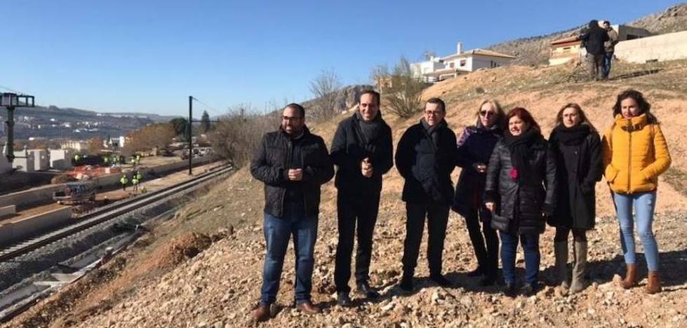 """El PSOE dice que el Gobierno """"miente"""" sobre el estado de obras del AVE, que """"se aleja mucho"""" de lo anunciado"""