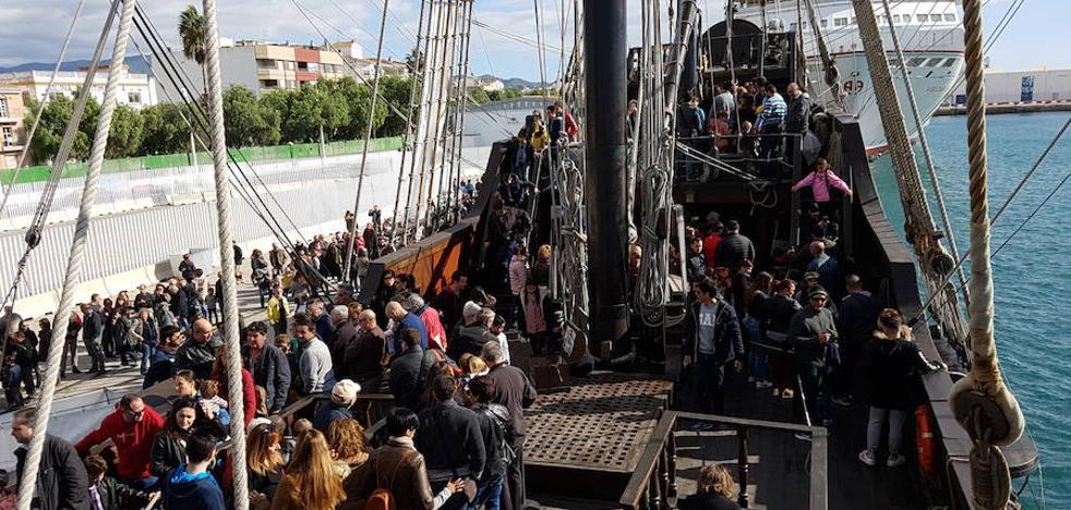 El Galeón Andalucía recibe la visita de 5.300 personas durante su estancia en el Puerto de Motril