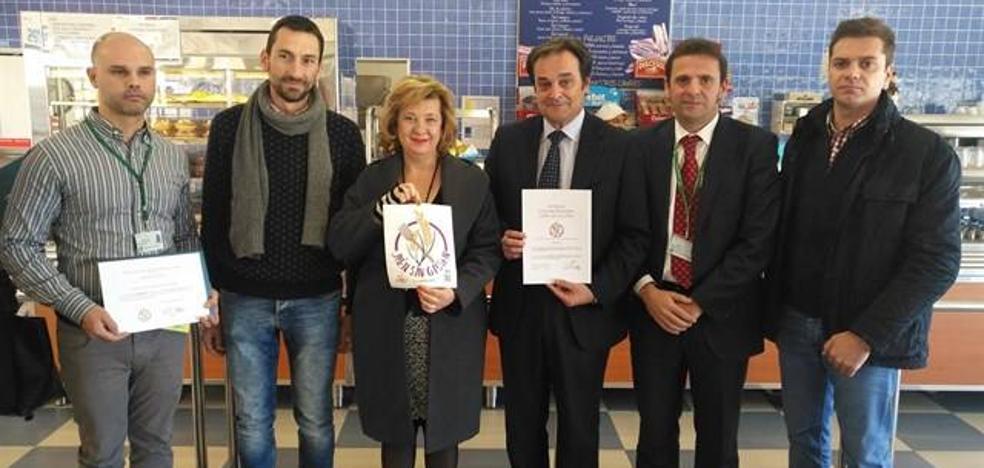 El Hospital Sierra de Segura recibe la acreditación 'Jaén sin gluten' por su oferta a personas celiacas