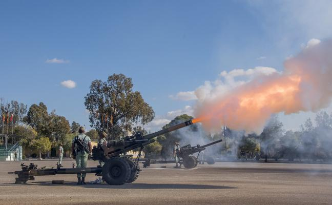 La Artillería de La Legión honra a su patrona Santa Bárbara