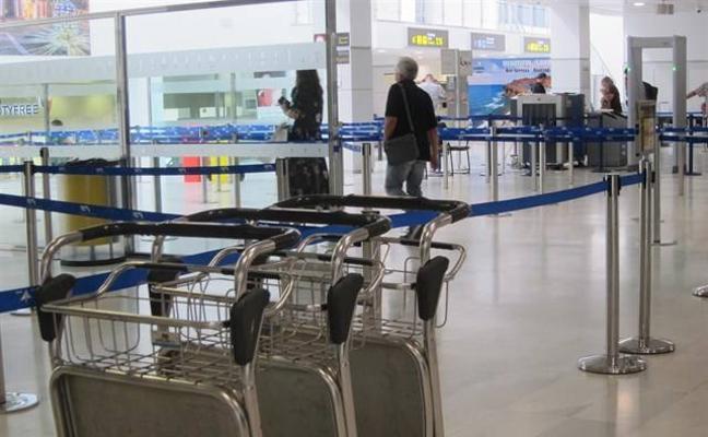 Intervienen 400 gramos de hojas de coca a una pasajera en el aeropuerto de Almería