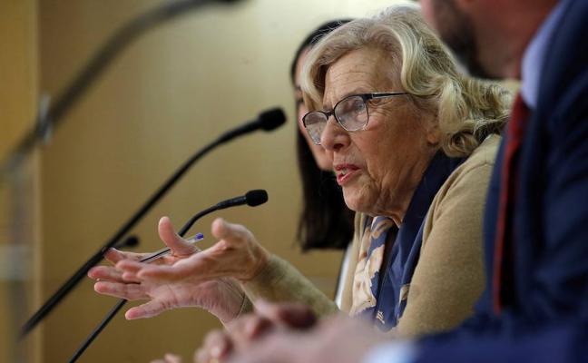 El juez investigará por delito de odio a los policías que insultaron a Carmena