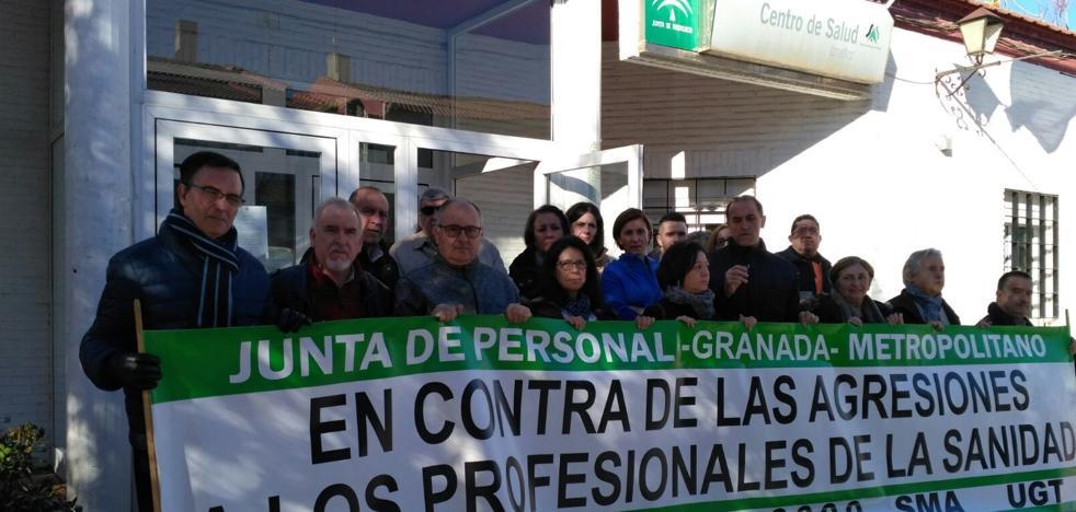 Profesionales muestran su repulsa ante las amenazas a un médico del centro de salud de Iznalloz