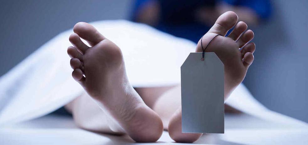 Los médicos dejan morir a un hombre sin tratarlo al ver la frase que tenía en su tatuaje