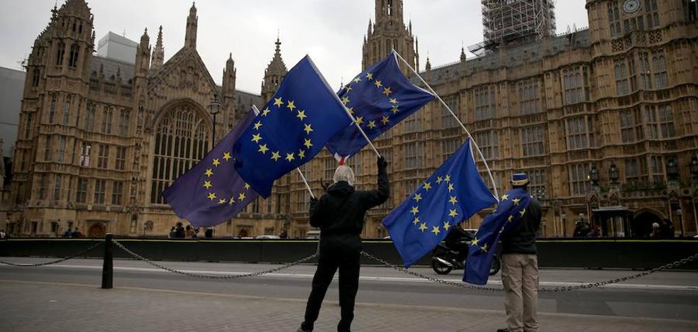 Teatro del desbarajuste en la diplomacia irlandesa de Theresa May