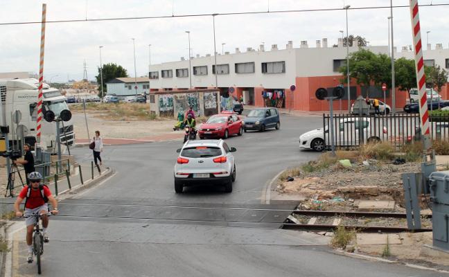 Recogen firmas online para que no se corte el tráfico ferroviario en Almería capital