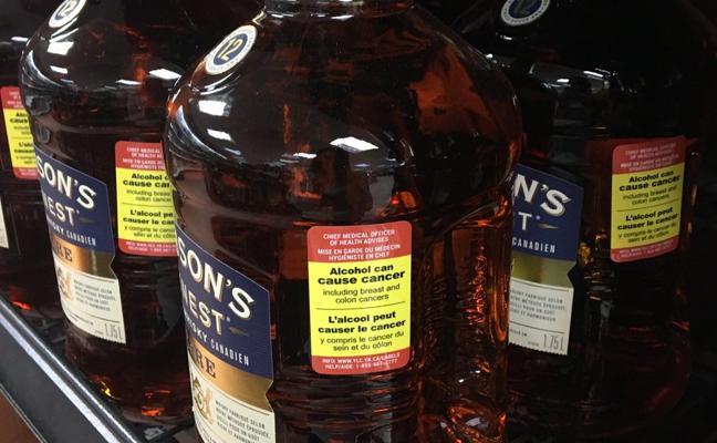 ¿Etiquetas de peligrosidad en el alcohol? Esta ciudad ya ha dado el paso