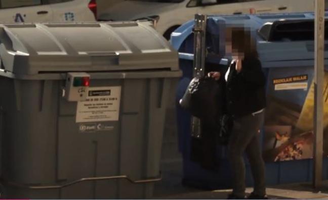 Colocan alarmas en los contenedores de basura en Cádiz