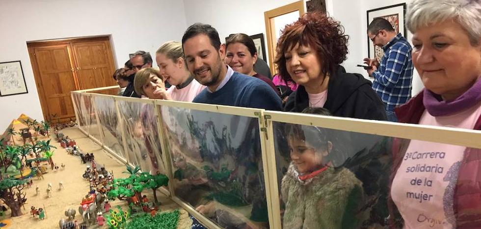 Un Belén de 30.000 piezas de PlayMobil se convierte en uno de los principales atractivos navideños en Órgiva