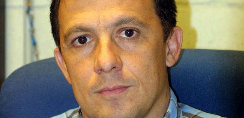 Fernando Mendiguchía deja de ser entrenador del ISE CB Almería