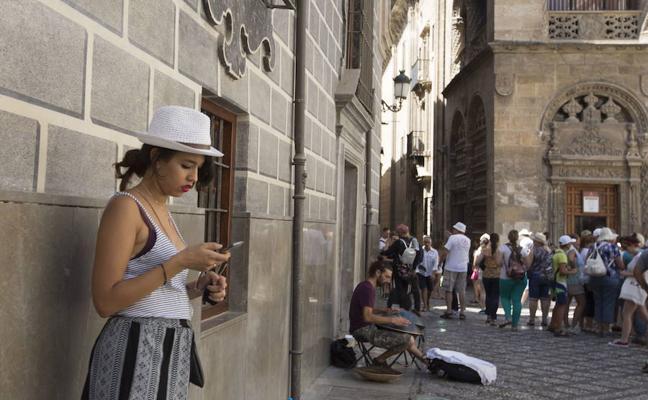 IU pide de forma urgente una normativa que acabe con los pisos turísticos ilegales en Granada