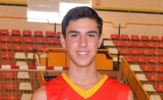 El base linarense Pablo Siles vuelve a la selección española U16 de baloncesto