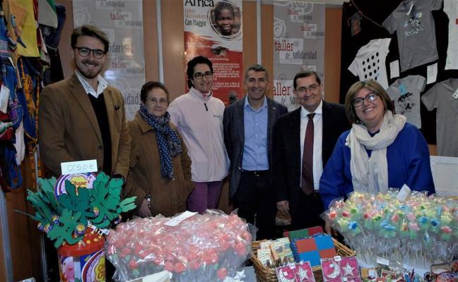 Presentan el libro 'Cocinando con Diego Morales' en la XIX Feria Agroalimentaria y del Turismo de Padul