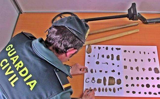La Guardia Civil recupera piezas arqueológicas de gran valor obtenidas en yacimientos de Granada