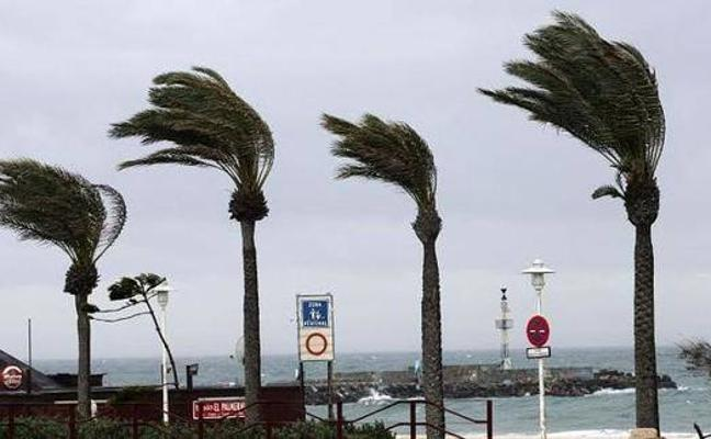 Aviso amarillo hoy en Almería por fuertes rachas de viento y fenómenos costeros