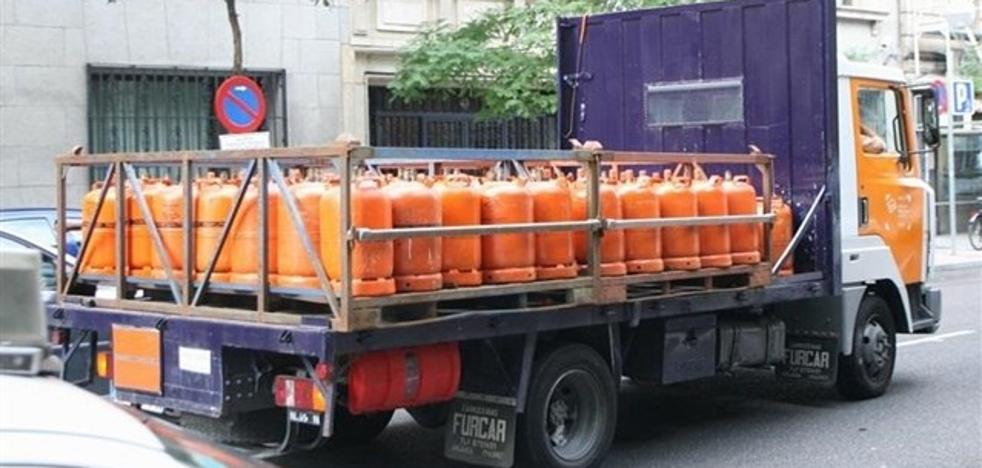 La policía investiga el robo de un camión cargado de bombonas de butano
