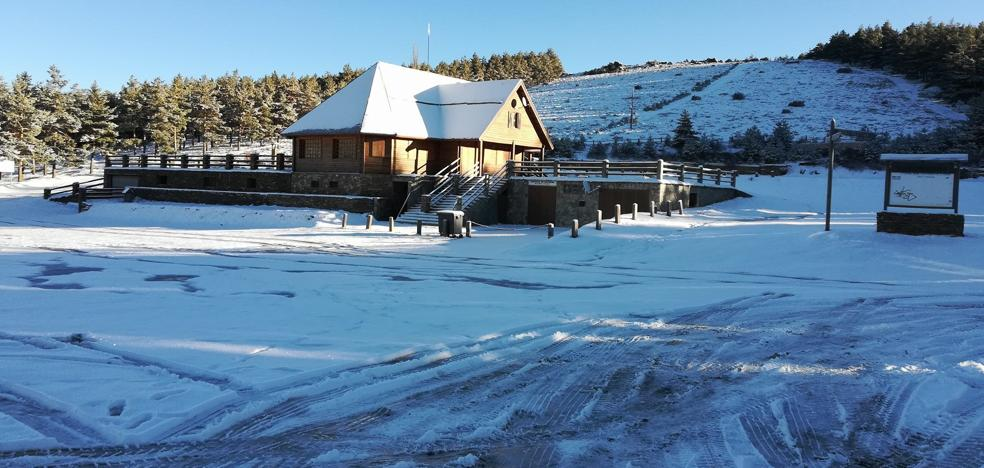 La Estación de La Ragua espera nieve para abrir la temporada