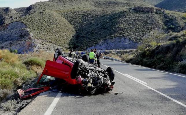 El puente deja 16 heridos en nueve accidentes de tráfico en Almería