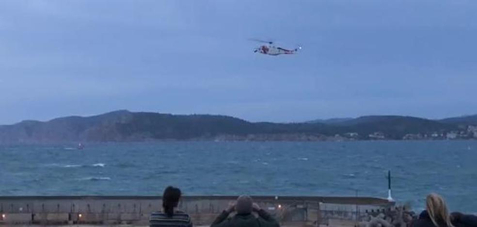 Desaparece un chico mientras pescaba tras un golpe de mar en Mallorca