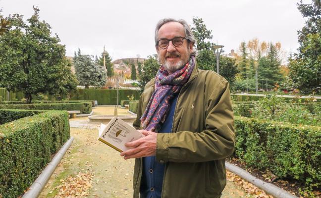 El poeta Javier Bozalongo entra en el aforismo con 'Prismáticos'