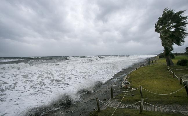 'Ana' destroza 400.000 euros en Playa Granada