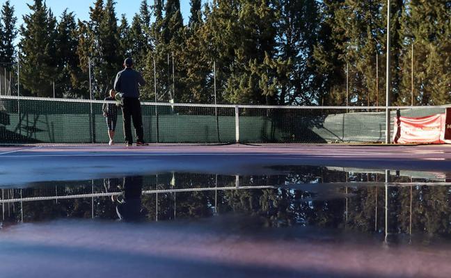 El estado de las pistas retrasa la jornada del campeonato nacional de tenis