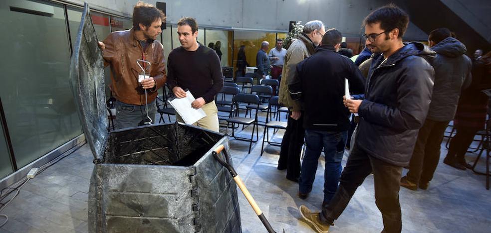 La Diputación entrega composteras y herramientas para huertos a 21 municipios de Granada