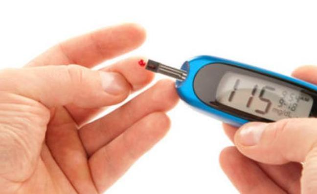 Descubren una dieta de pocas calorías que adelgaza y combate la diabetes tipo 2