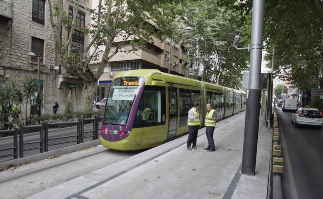 Reclaman a la Junta la deuda por el tranvía