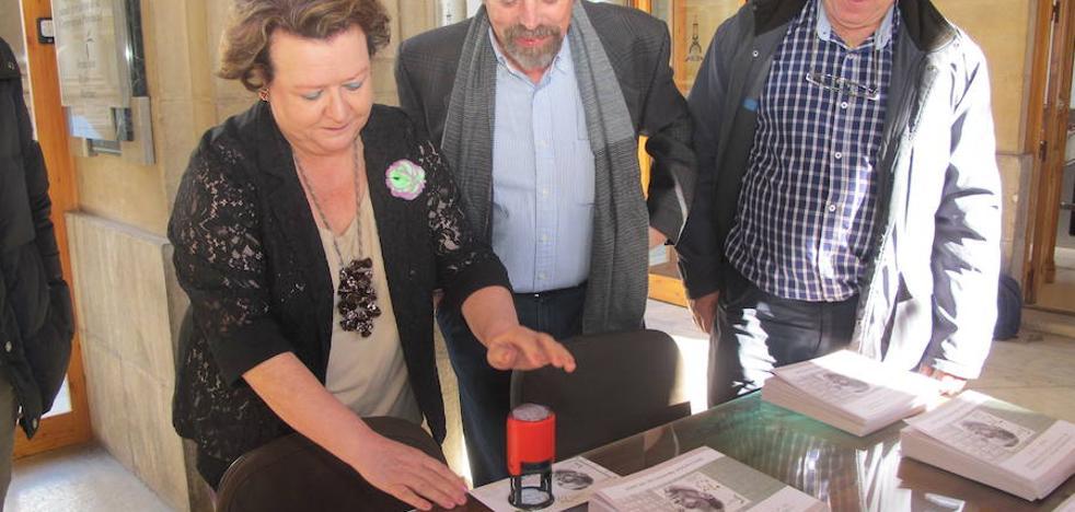 La Diputación de Jaén edita 400 sellos conmemorativos del 75 aniversario de la muerte de Miguel Hernández