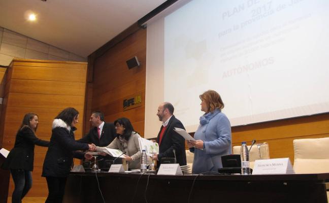 Unos 200 autónomos reciben ayudas de 3.000 euros para impulsar sus negocios